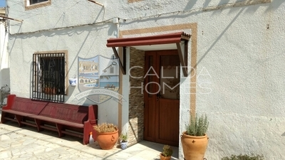 7041: Village or Town House in Arboleas, Almería