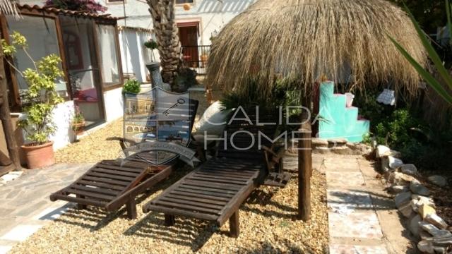 7041: Village or Town House for Sale in Arboleas, Almería