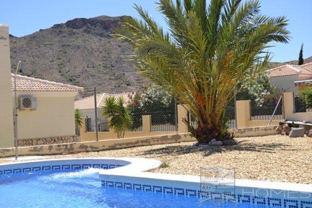 7534 ballerina: Resale Villa for Sale in Arboleas, Almería