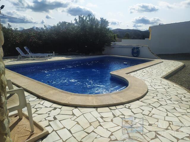 Casa Naranja : Village or Town House for Sale in Arboleas, Almería