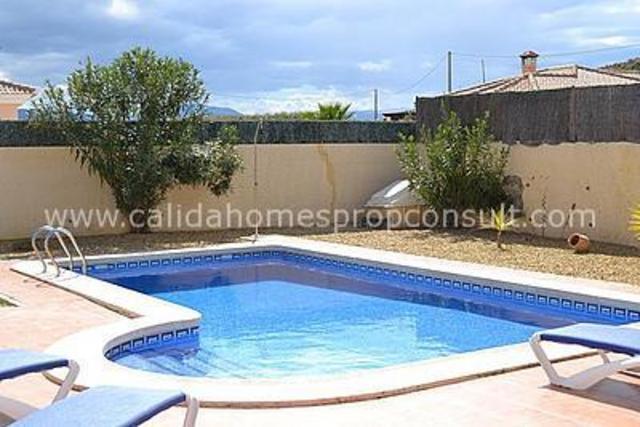 cla 4299: Resale Villa for Sale in Zurgena, Almería