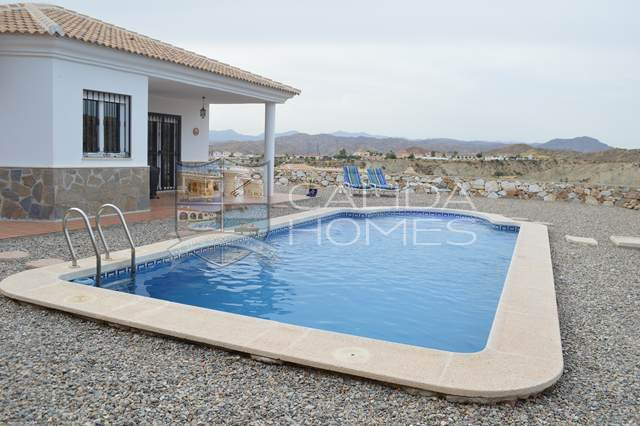 cla 7015: Resale Villa for Sale in Arboleas, Almería