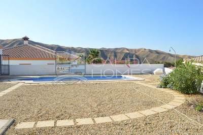 cla 7022: Resale Villa in Arboleas, Almería