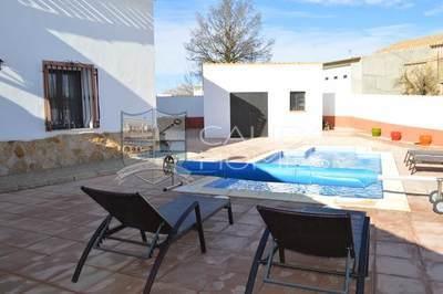 cla 7086: Semi-Detached Property in Los Cerricos, Almería