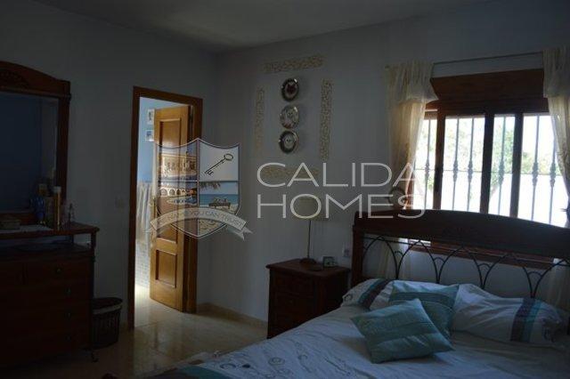 cla 7113: Resale Villa for Sale in Arboleas, Almería