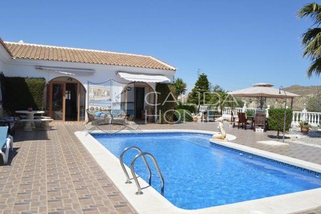cla 7113: Resale Villa for Sale in Arboleas, Almería