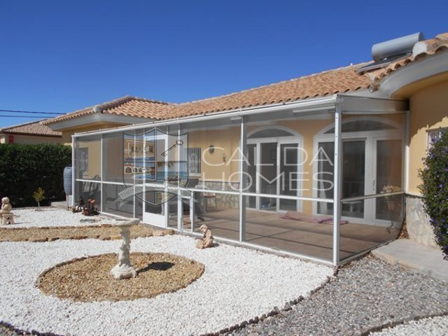 cla 7115: Resale Villa for Sale in Zurgena, Almería