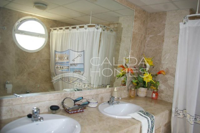 cla 7124: Resale Villa for Sale in Vera, Almería