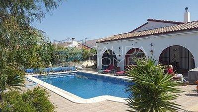 cla 7152: Resale Villa in Arboleas, Almería