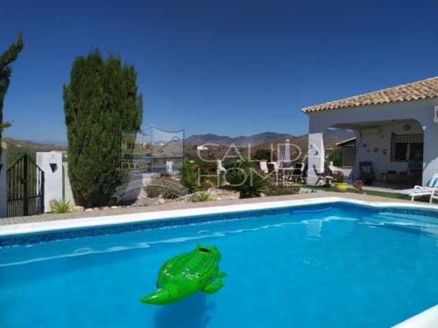 Cla 7298: Resale Villa for Sale in La Hoya (Cantoria), Almería
