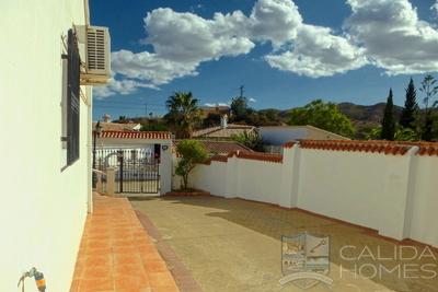 Cla 7461 Villa Palmera : Resale Villa in Arboleas, Almería