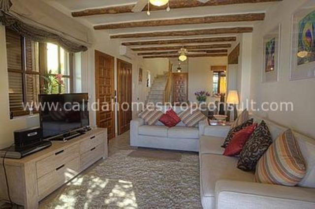cla6160: Resale Villa for Sale in Cuevas Del Almanzora, Almería