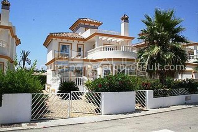 cla6188: Resale Villa for Sale in Vera Playa, Almería