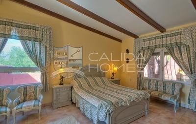 cla6816: Resale Villa in Vera, Almería