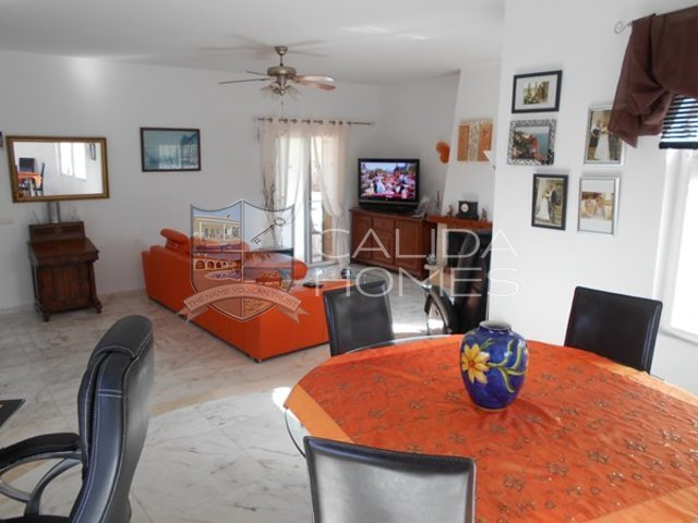 cla6971: Resale Villa for Sale in Partaloa, Almería