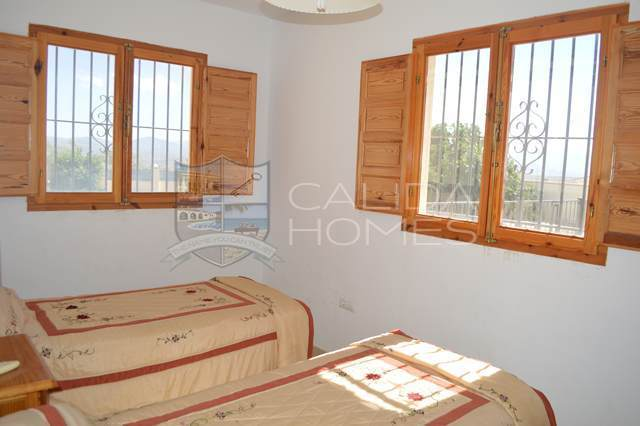 cla7000: Resale Villa for Sale in Albox, Almería
