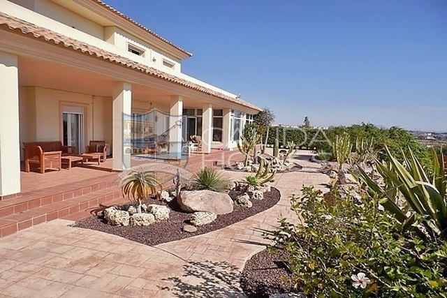 cla7129: Resale Villa for Sale in Vera, Almería