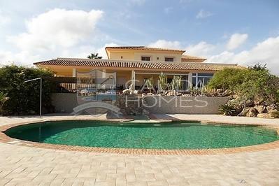 cla7129: Resale Villa in Vera, Almería