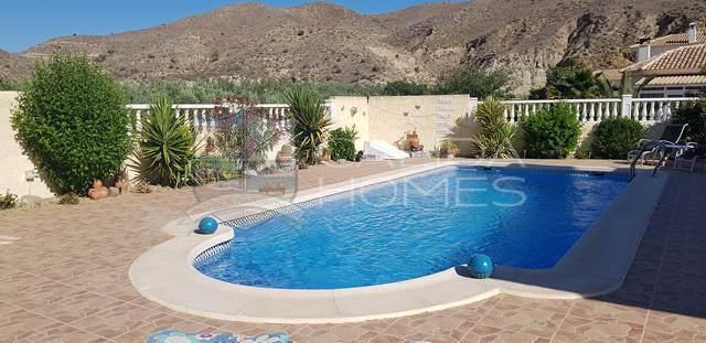 Cla7150: Resale Villa for Sale in Arboleas, Almería