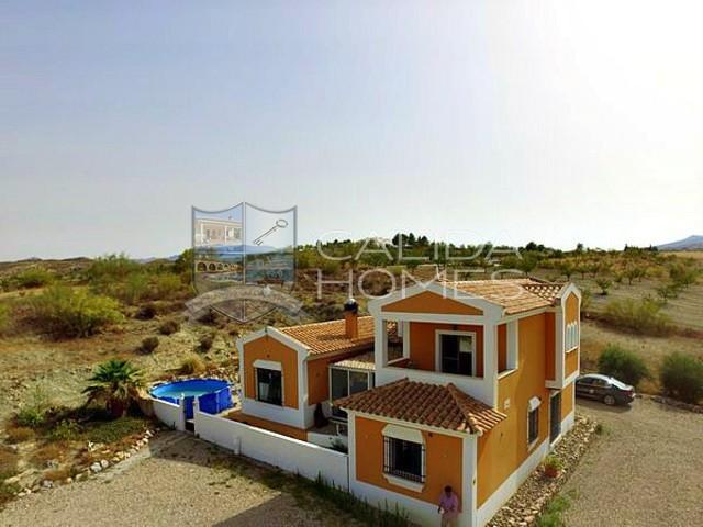 cla7160: Resale Villa for Sale in Velez-Rubio, Almería