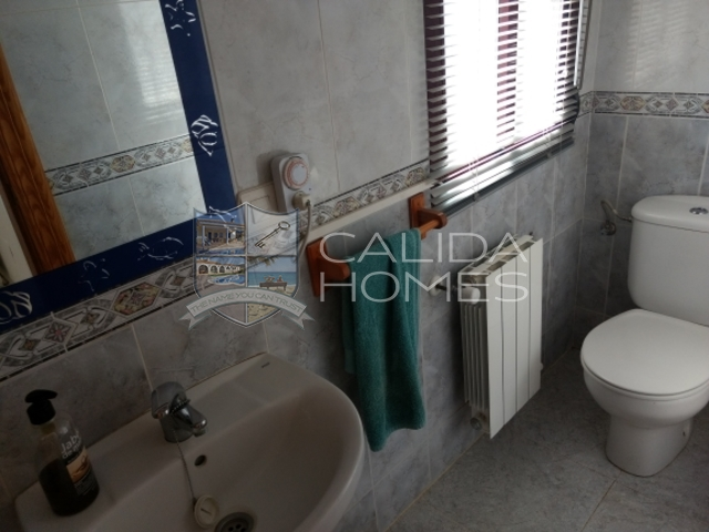 cla7160: Resale Villa for Sale in Velez-Rubio, Almería