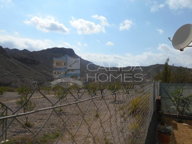 cla7358- Villa Vista: Resale Villa for Sale in Arboleas, Almería