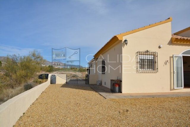 Cla7217: Resale Villa for Sale in Albox, Almería