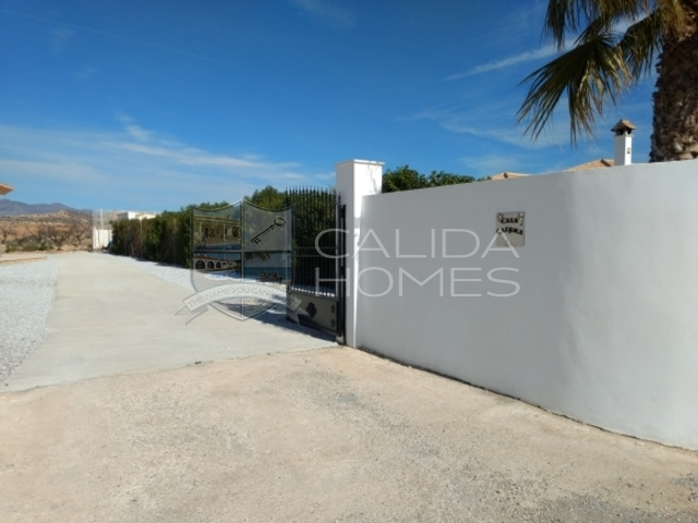 cla7236: Resale Villa for Sale in Albox, Almería
