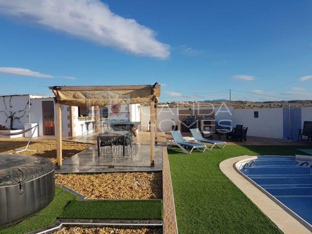 cla7251: Resale Villa for Sale in La Piedra Amarilla, Almería