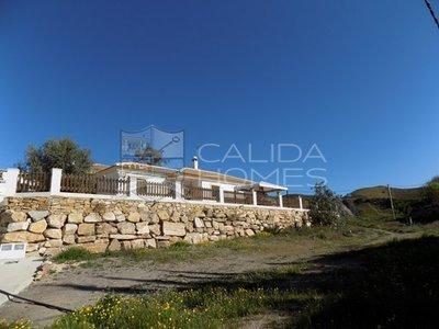 cla7265: Resale Villa in Arboleas, Almería