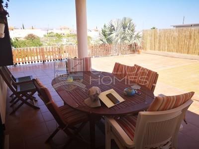 cla7279: Resale Villa in La Alfoquia, Almería