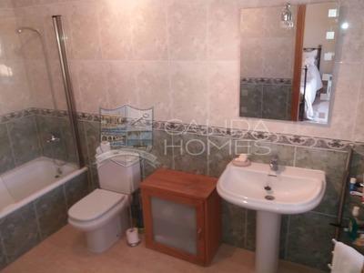 cla7295: Resale Villa in Arboleas, Almería