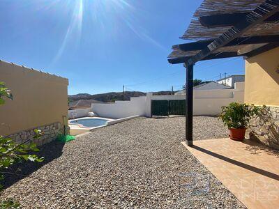 Villa Perla: Resale Villa in Arboleas, Almería