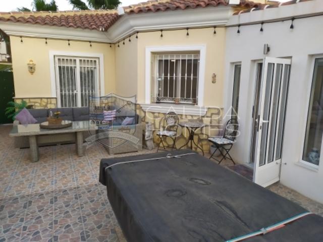 cla7330: Resale Villa for Sale in Arboleas, Almería