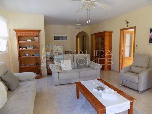 cla7335: Resale Villa for Sale in Arboleas, Almería