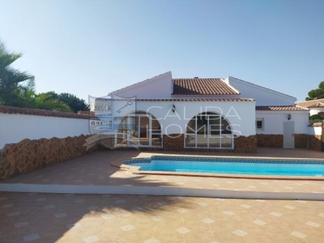 cla7432 Villa Magnolia: Resale Villa for Sale in Arboleas, Almería