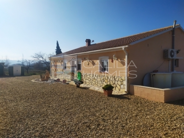 cla7356 Villa Especial: Resale Villa for Sale in Partaloa, Almería