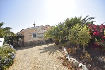 Cla7360- Villa Manzana: Resale Villa in Zurgena, Almería
