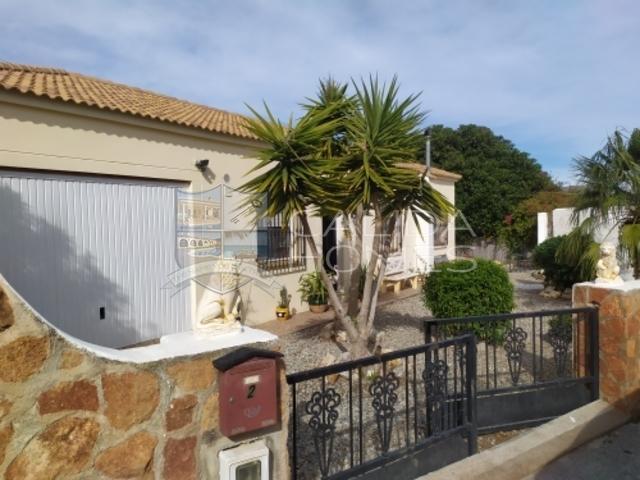 cla7365 Villa Reya de Sol: Resale Villa for Sale in Arboleas, Almería