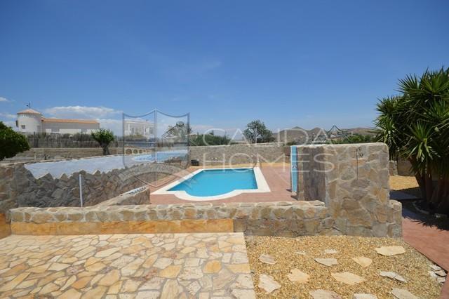 cla7376-Villa Peach : Herverkoop Villa te Koop in Cantoria, Almería