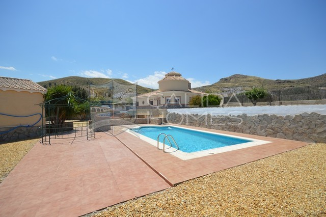 cla7376-Villa Peach : Resale Villa for Sale in Cantoria, Almería