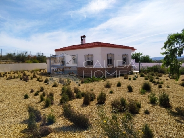 cla7383 Villa Poppy : Resale Villa for Sale in El Cerrogordo, Almería
