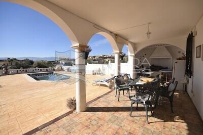 cla7394 Villa Tricia : Resale Villa in Partaloa, Almería