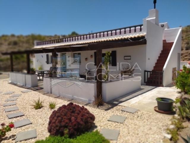 cla7401 Casa Guapa: Resale Villa for Sale in Arroyo Medina, Almería