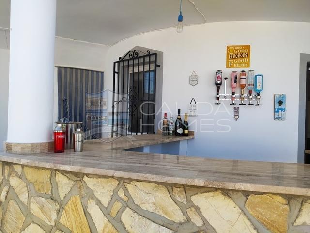 cla7430 Villa Magnifico: Resale Villa for Sale in Arboleas, Almería