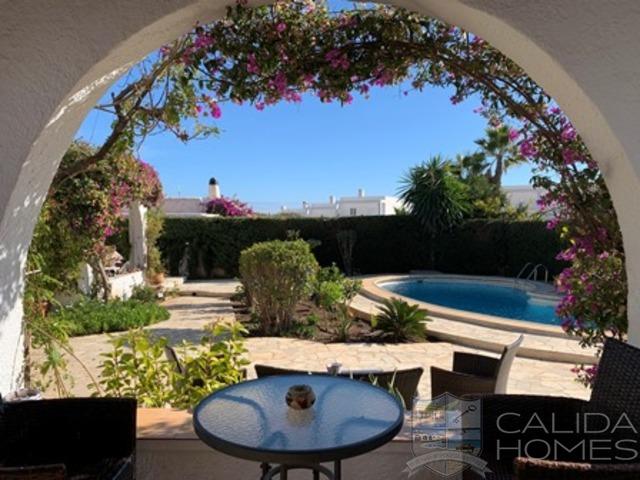 cla7508: Resale Villa for Sale in Mojacar Playa, Almería