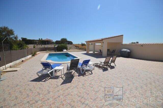 Cla7524 villa Bon Bon : Resale Villa for Sale in Albox, Almería