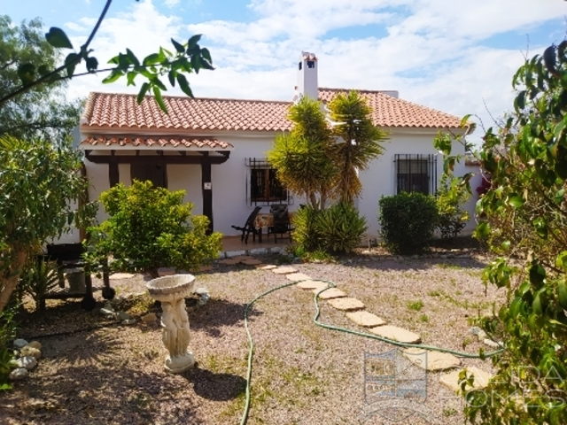 cla7525 Villa Secreto: Resale Villa for Sale in Arboleas, Almería
