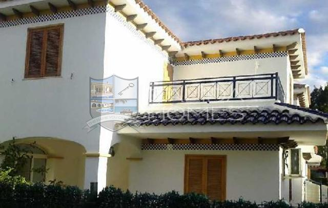 CLAC 105: Duplex for Sale in Vera Playa, Almería