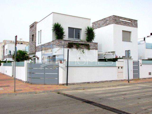 clm99834: Resale Villa for Sale in San Pedro Del Pinatar, Murcia